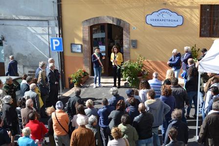 inaugurazione farmacia - Copia